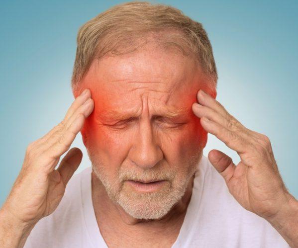 Болит голова пожилой