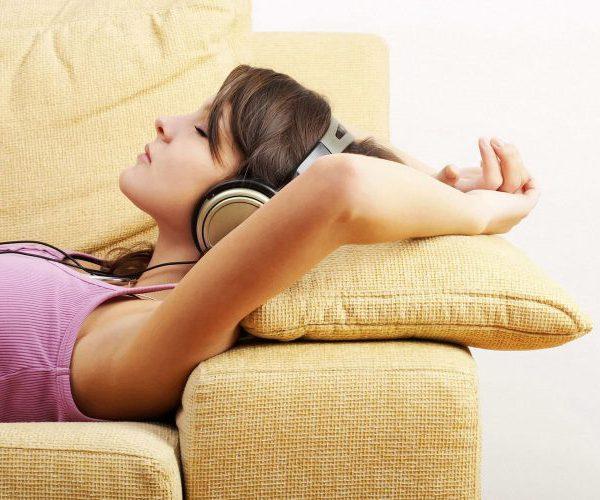 Девушка расслабляется