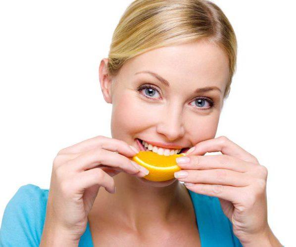 Ест овощи фрукты